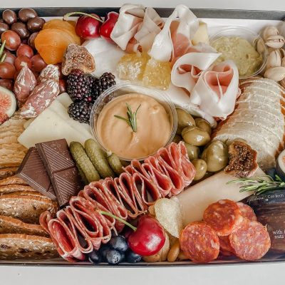 10 Best Charcuterie Boards & Picnic Grazing Box Delivery to Stouffville